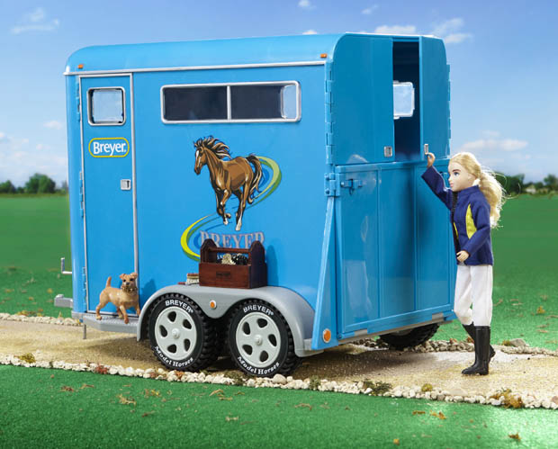 large two horse trailer