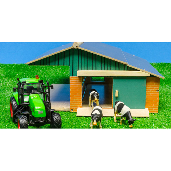 1:50 farm set with barn - tractor and cows